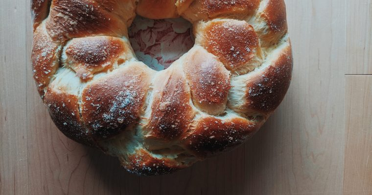 Traditional Calabrese Cuzzupe: Italian Easter Bread
